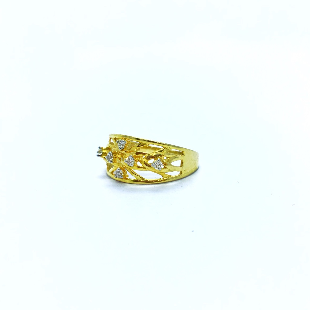 FANCY RIAL DIAMOND RING FOR LADIES