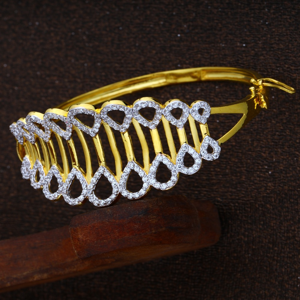 916 Gold CZ Designer Bracelet RJ-B03