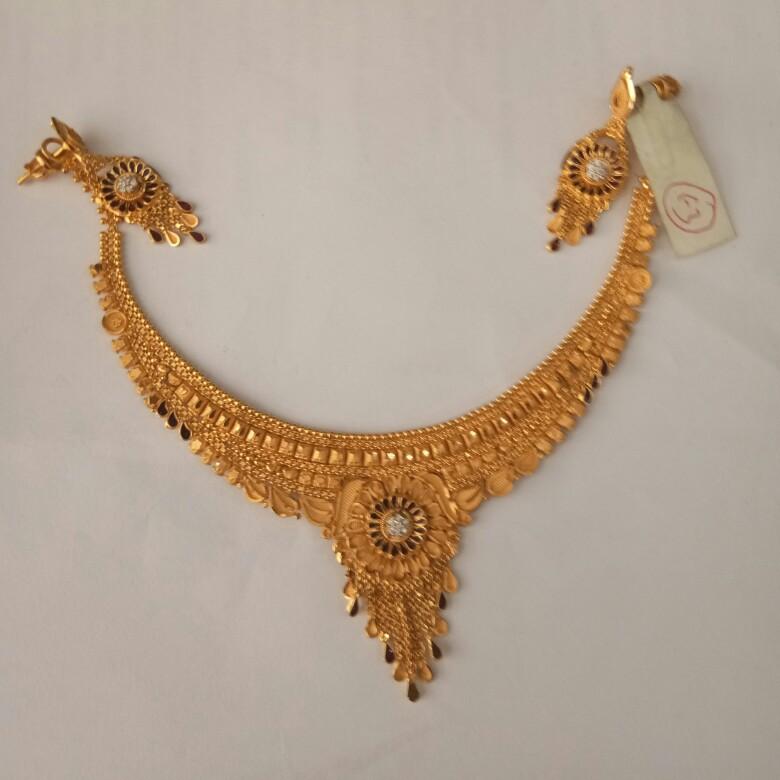 916 Gold hallmark Necklace set LU2094