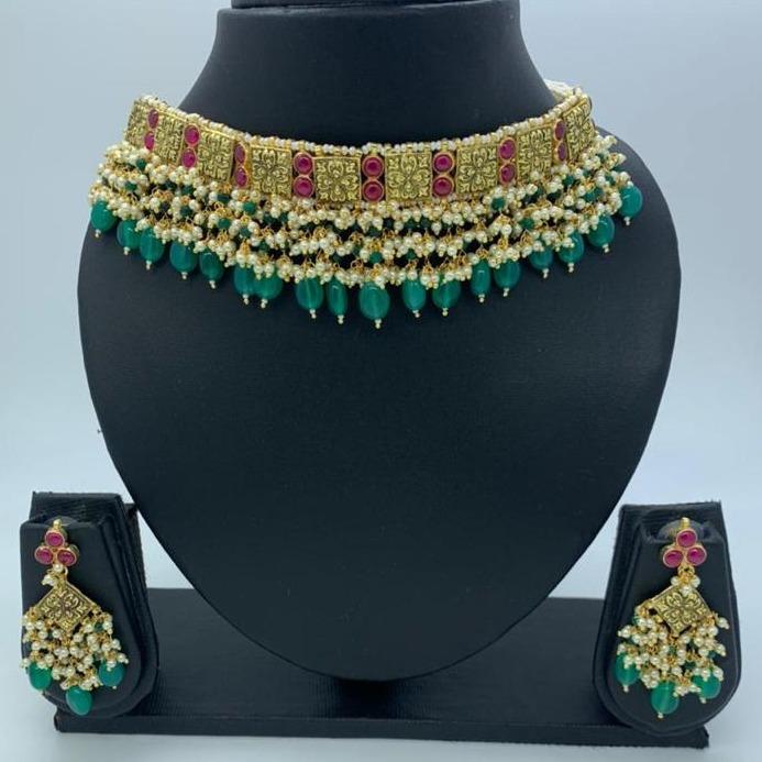 Green kundan artificial design necklace set