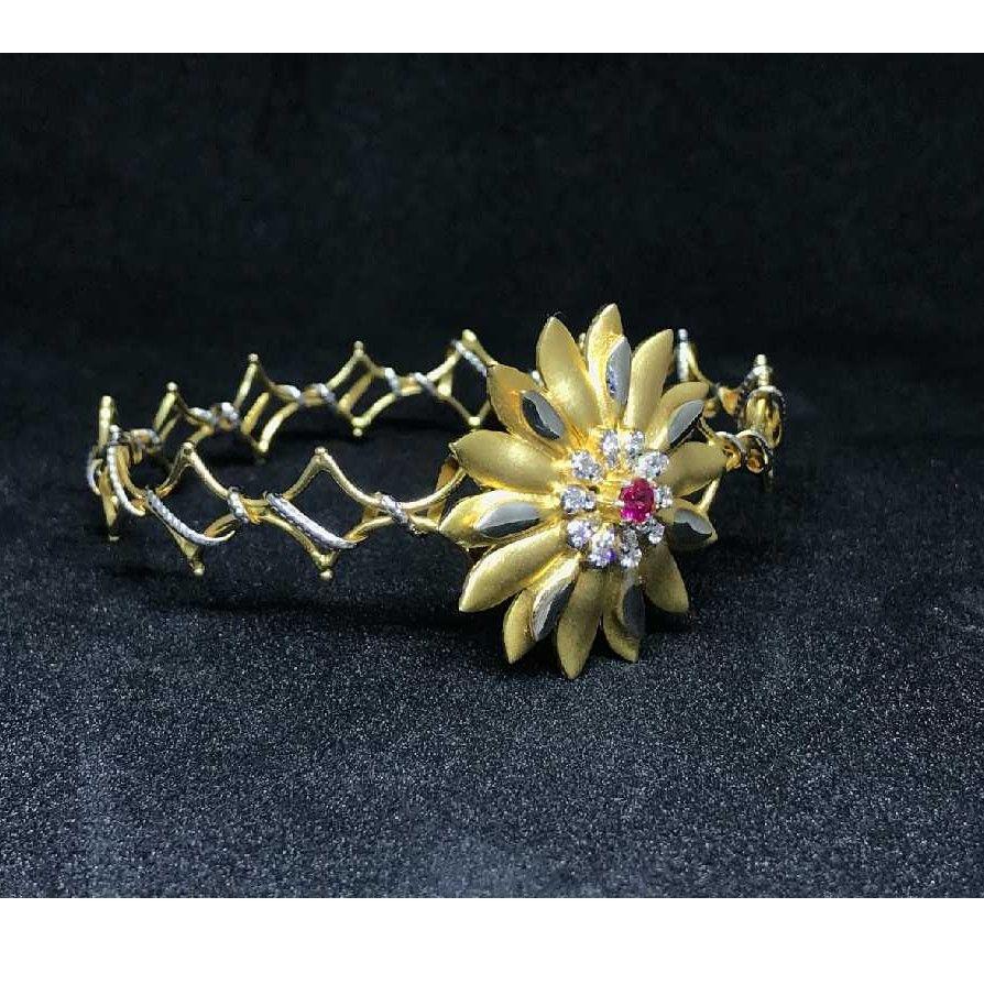 18k Ladies Fancy Gold Bracelet K-51051