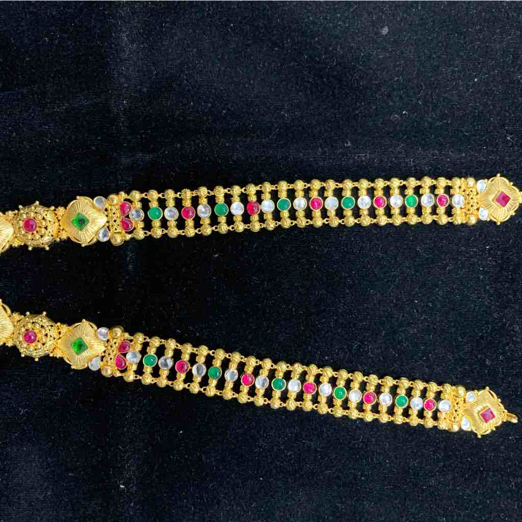 22 kt necklace