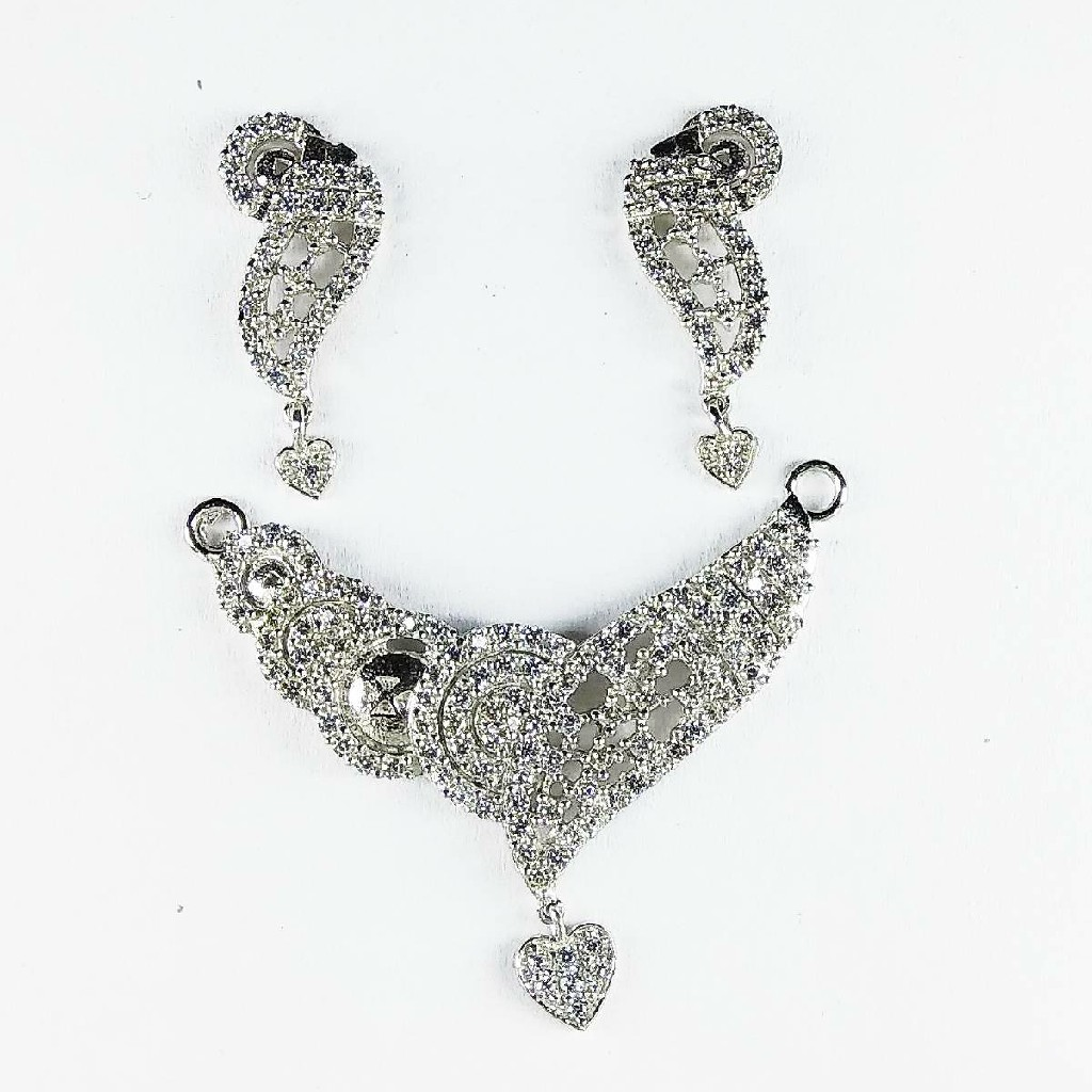 Fancy 925 sterling silver mangalsutra pendant with heart shape