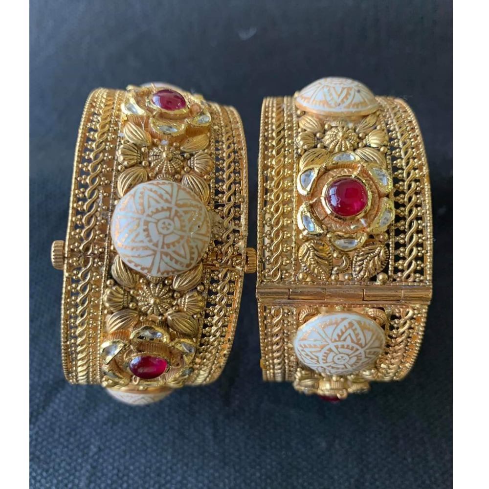 916 Hallmarked Gold Antique Kada Bangles