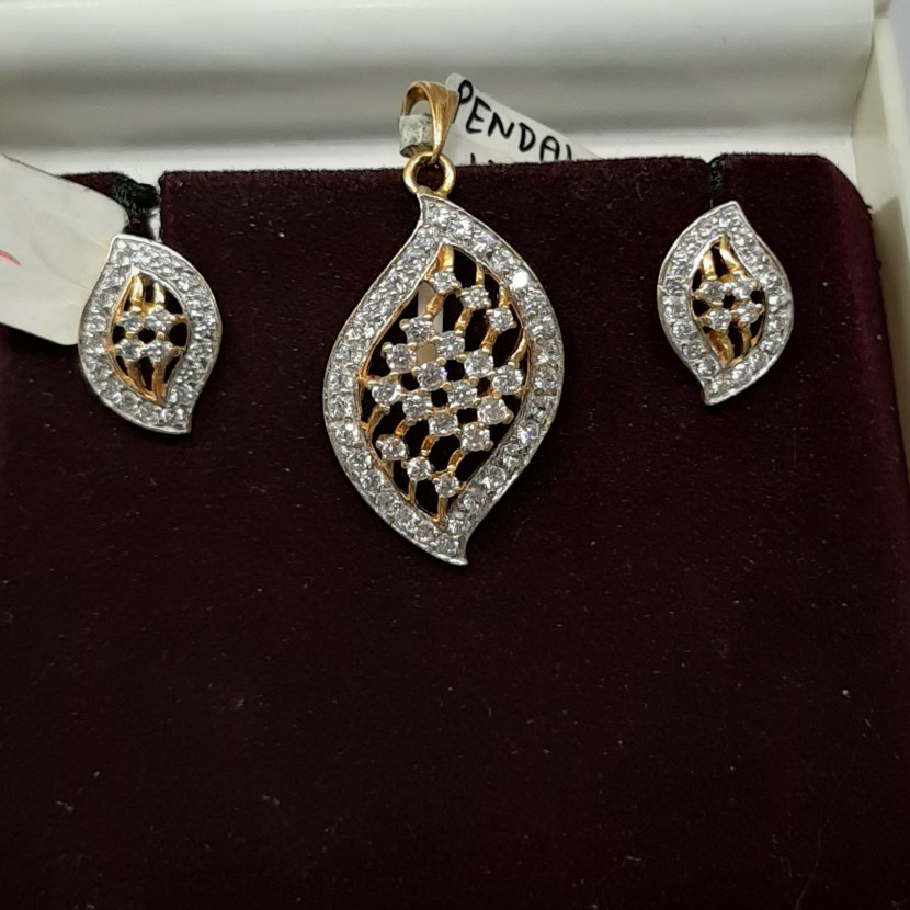 916 Gold hallmark pendant set CY7215