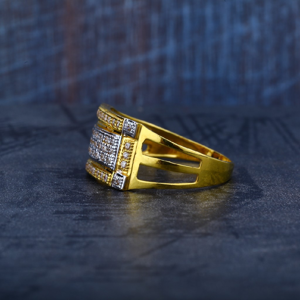 Mens Simple Daily Wear 916 Gold Ring-MR52