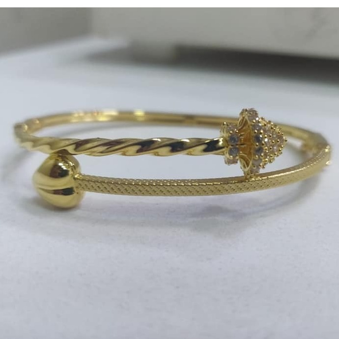 916 gold Ladies Kada Bracelet LKB-001