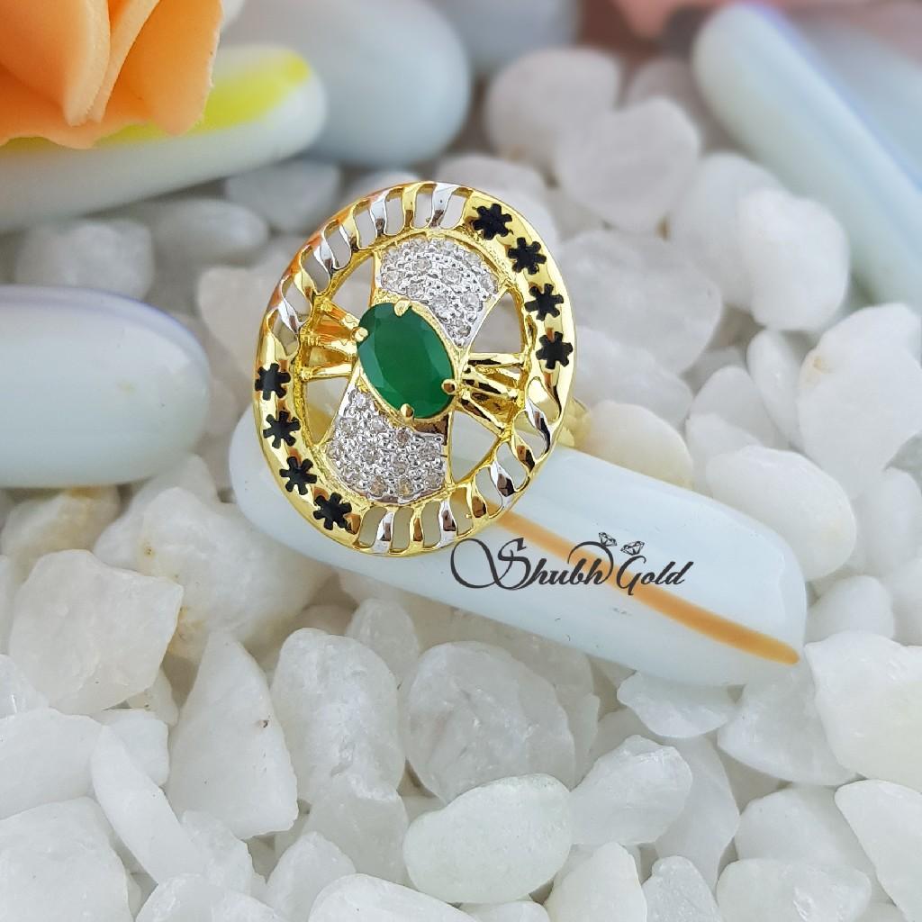 Green stone Ladies Ring