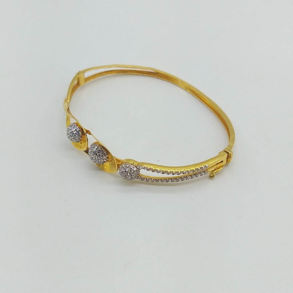 Gold Ladies Stylish Bracelet with Rhodium and Diamonds