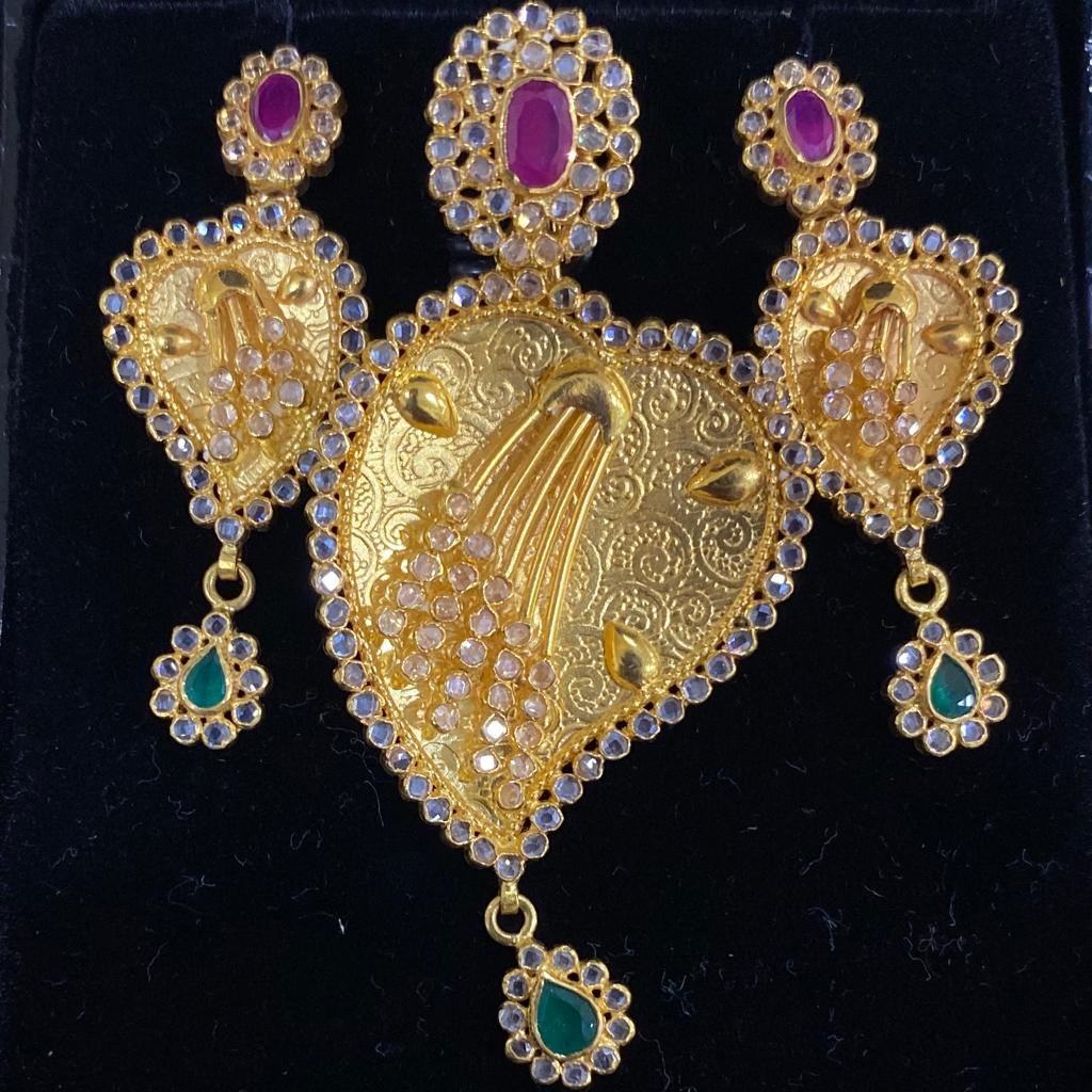 Antique gold pendant set
