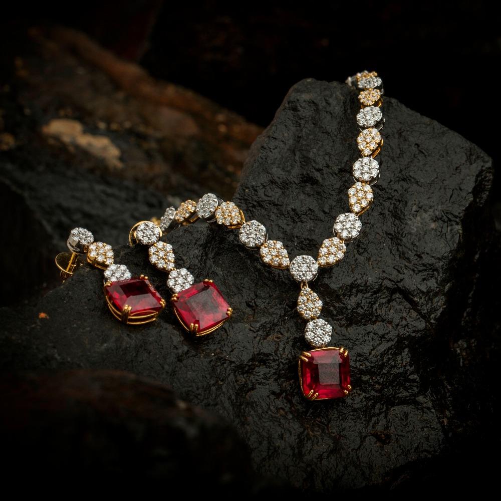 18KT Real Diamond Ladies Necklace Set