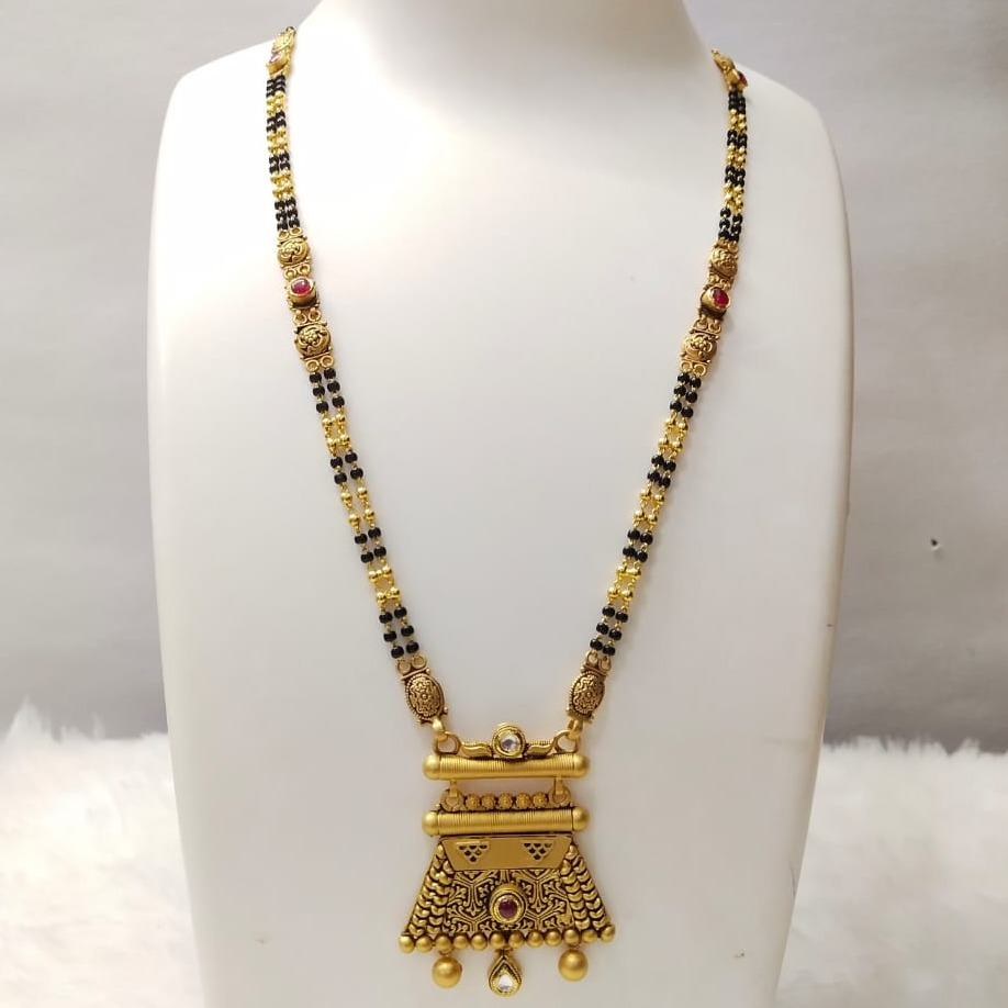 22 carat gold mangalsutra RH-MN838