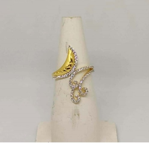 22 k Gold Fancy Ring. NJ-R0985