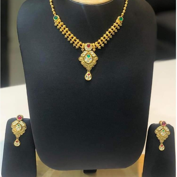 22KT Gold Light Weight Stylish Necklace Set