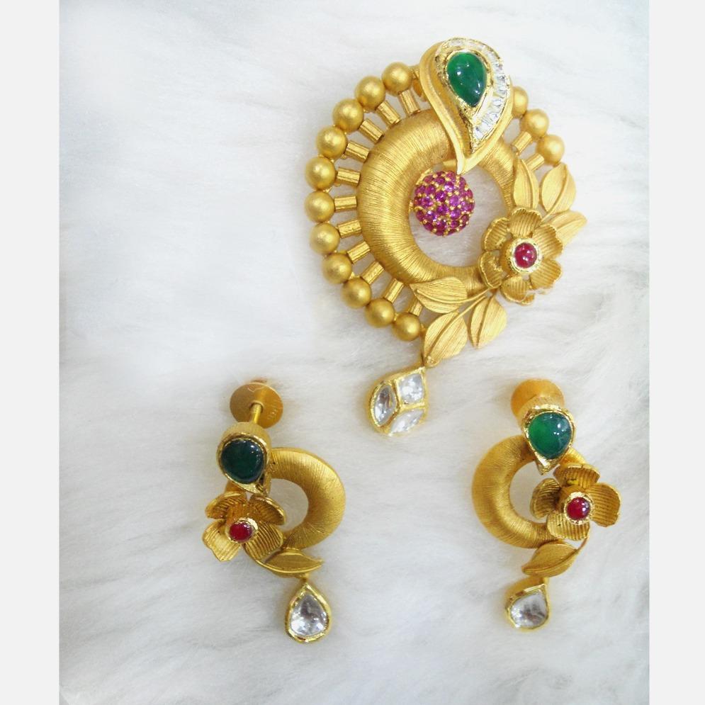 22Kt Gold Antique Flower Design Pendant Set RHJ-5592