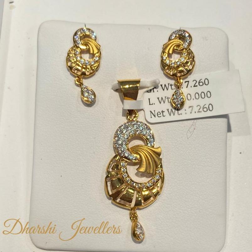 22k gold chain pendant set