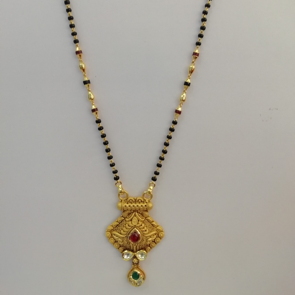 916 gold antique jadtar red and green colour stone short mangalsutra