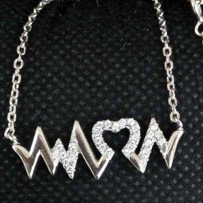 925 Sterling Silver  Diamond Heart Designed Pendant Chain