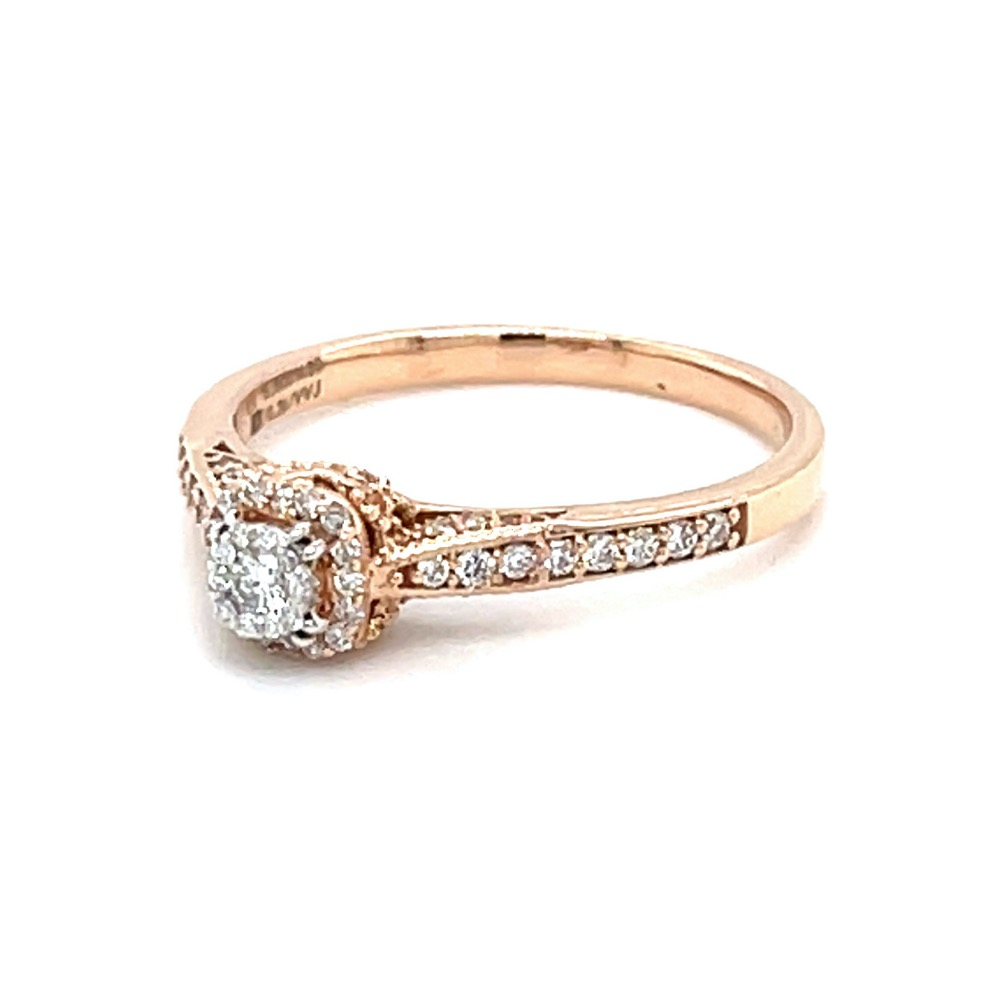 Pressure Set with Cushion Shaped Border Diamond Ring 0LR160