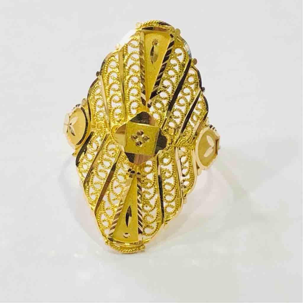 18kt plain gold ladies ring