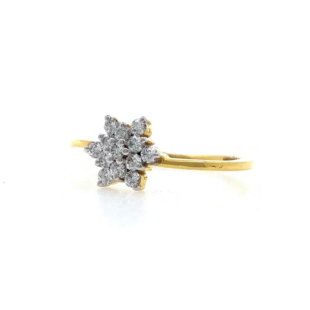 Thirteen Diamond Star Ring in 18k Yellow Gold - VVS EF - 25 cents - 2.010 grams - 0LR54