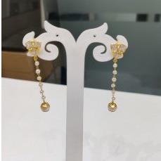 18k gold light weight fancy earings