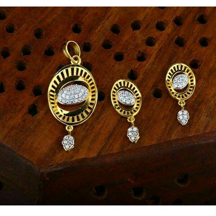 Gold Designer Pendent Set 916