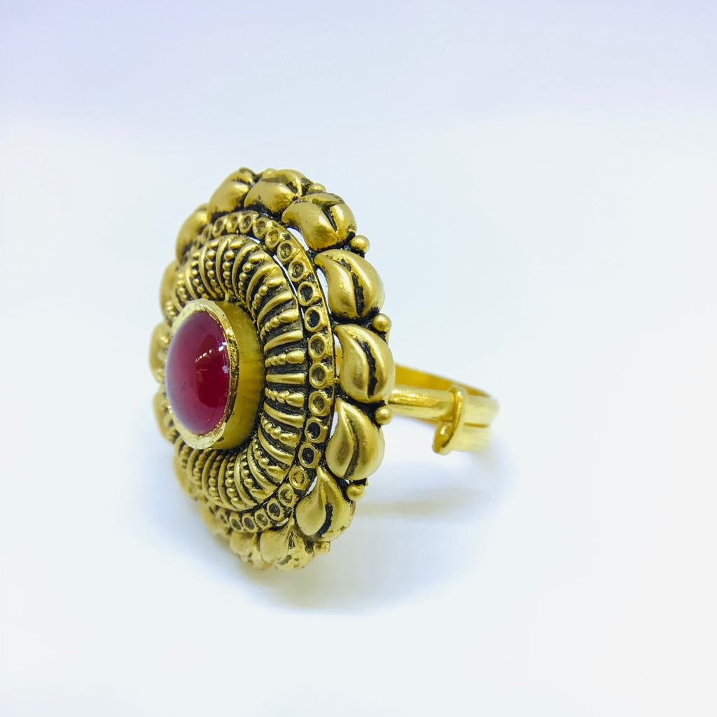 FANCY ANTIQUE GOLD RING FOR LADIES