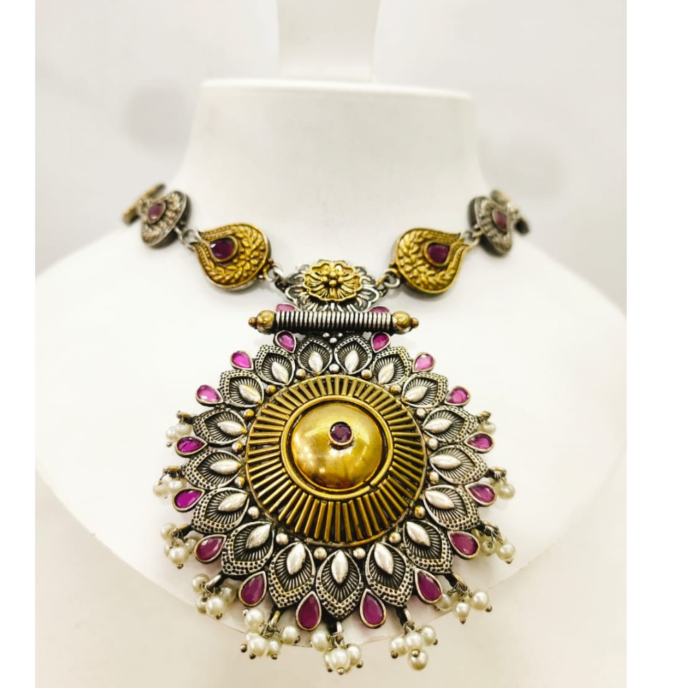 Black polish combination with Gold tone pink stone Necklace set 1647