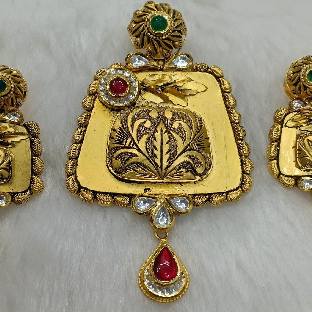 antique pendant set