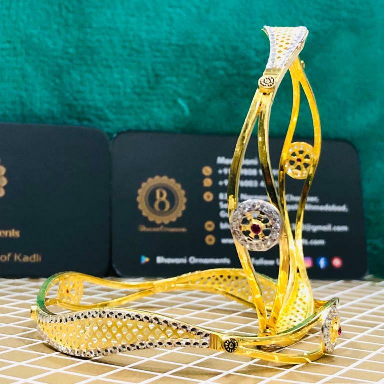 22KT/916 FLORAL DESIGN GOLD COPPER KADLI BANGLE