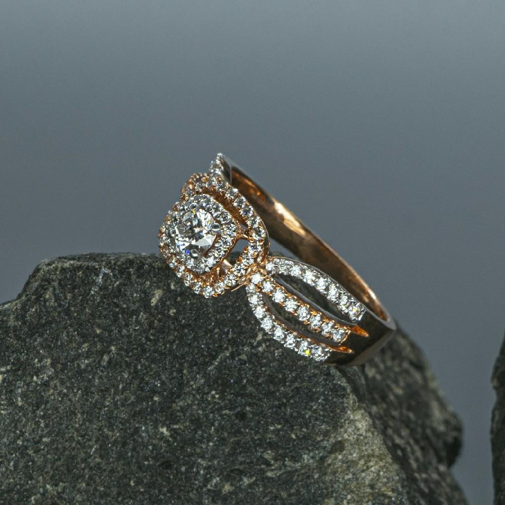 Trendy ladies Daimond Ring