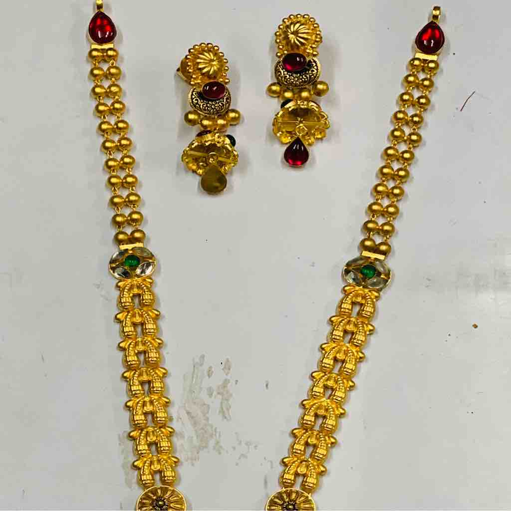 22 kt antique set