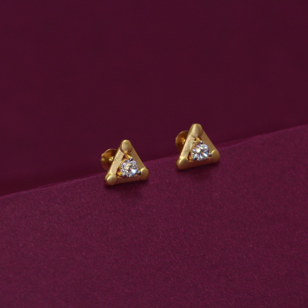 20KT Hallmarked Triangle Earring
