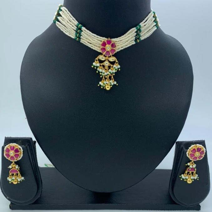 artificial everstylish design hallmark necklace set