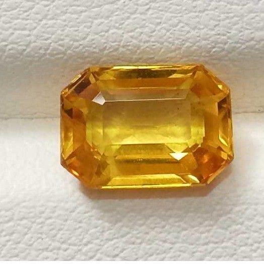 3.35ct rectangle yellow yellow-sapphire-pukhraj