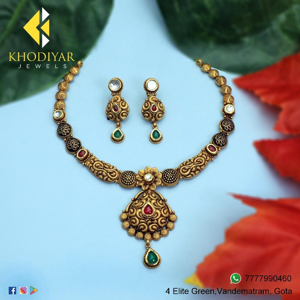 22KT Gold Antique Bridal Necklace Set KJ-N005