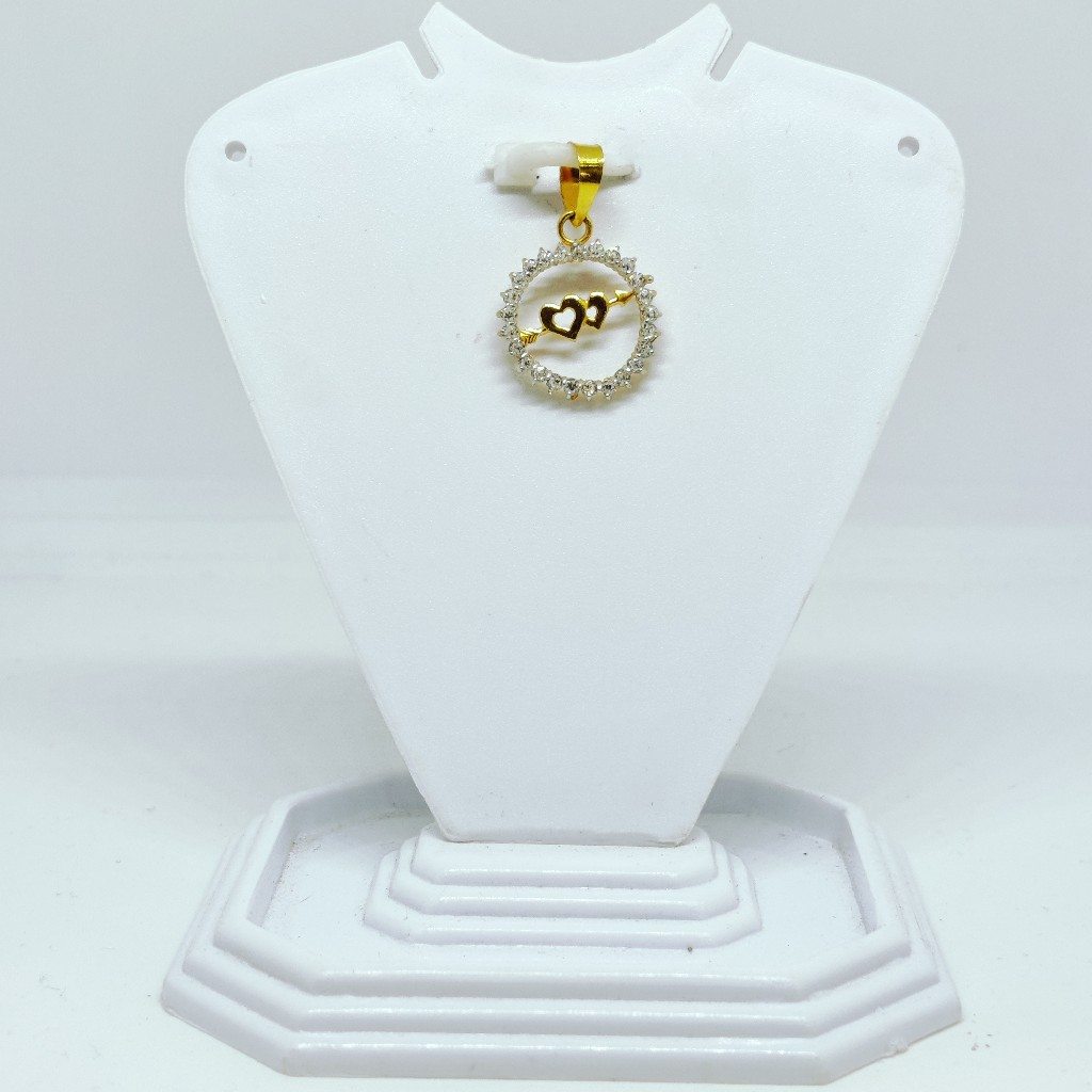 18 KT 750 Hallmark fancy delicate heart diamond Pendent