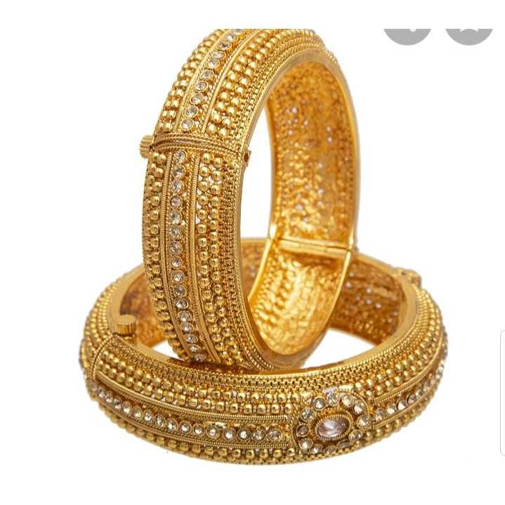 22 CT Antique Bangle