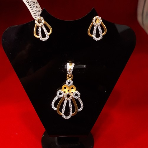 Pendant butti set