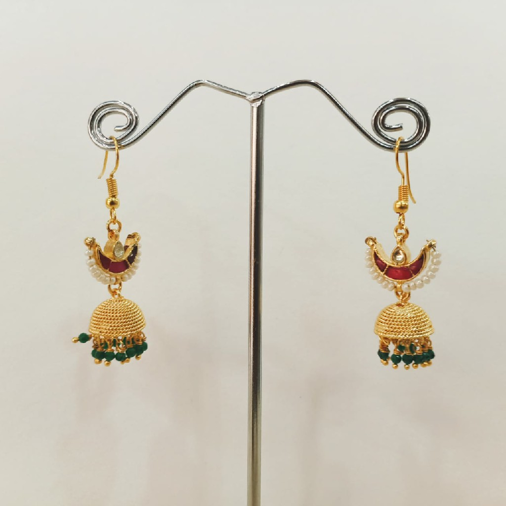 Beautiful Chand shape mini zumkhi with hanging