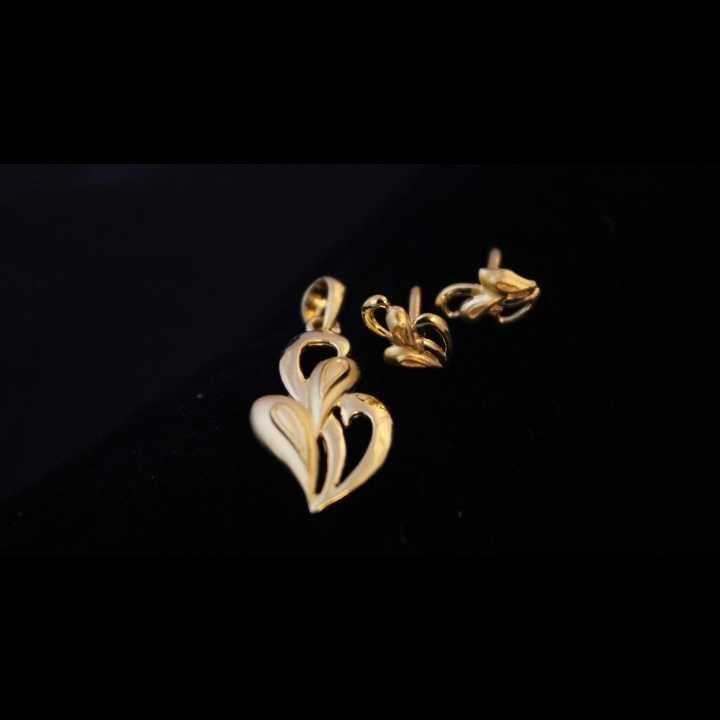 22 k gold pendant set. nj-p01202