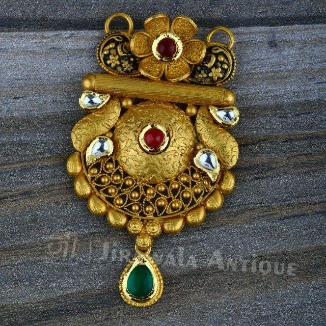Antique jadtar 916 kundan mangalsutra pandant with flower chapai work