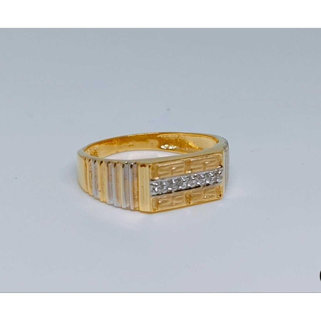 916 Gents Fancy Gold Ring Gr-28648