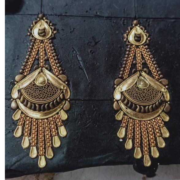 916 Hallmark Gold Attractive Bridal Earring
