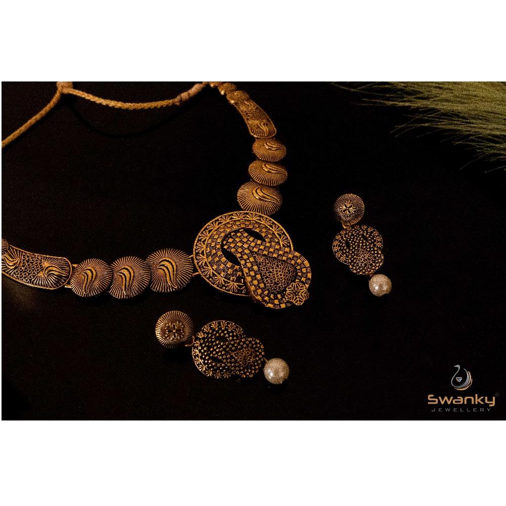 Attractive necklace set with unique design