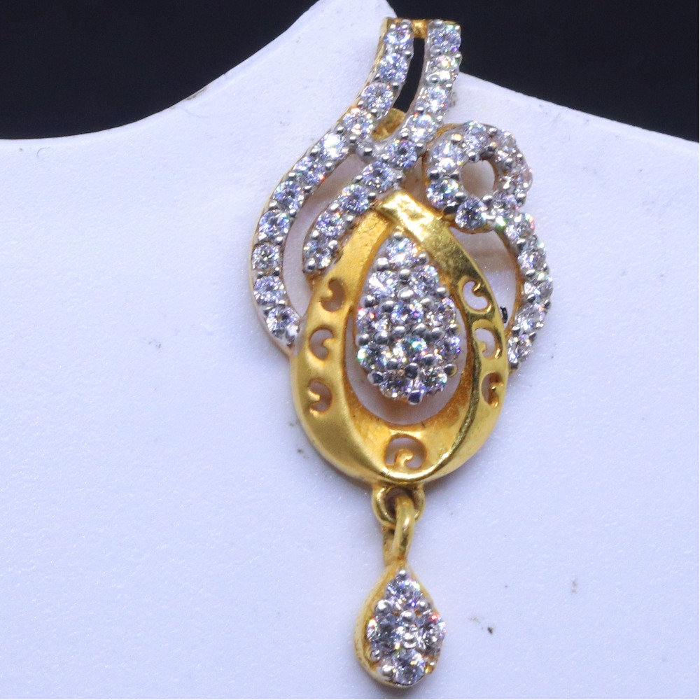 22KT / 916 Gold Traditional Occasions CZ Earring for women BTG0372