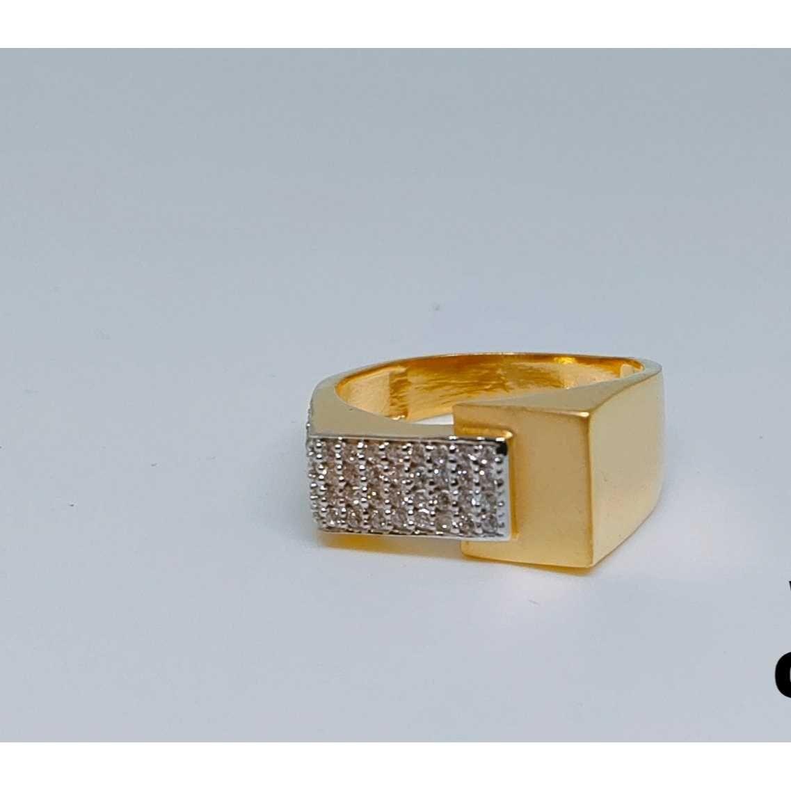916 Gents Fancy Gold Ring Gr-28647