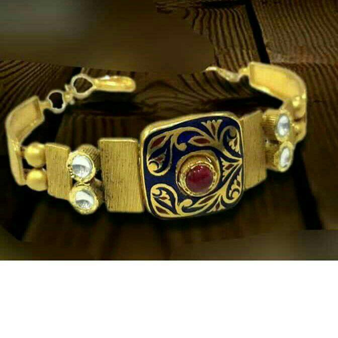 22K / 916 Gold Antique Modern Attractive Bracelet
