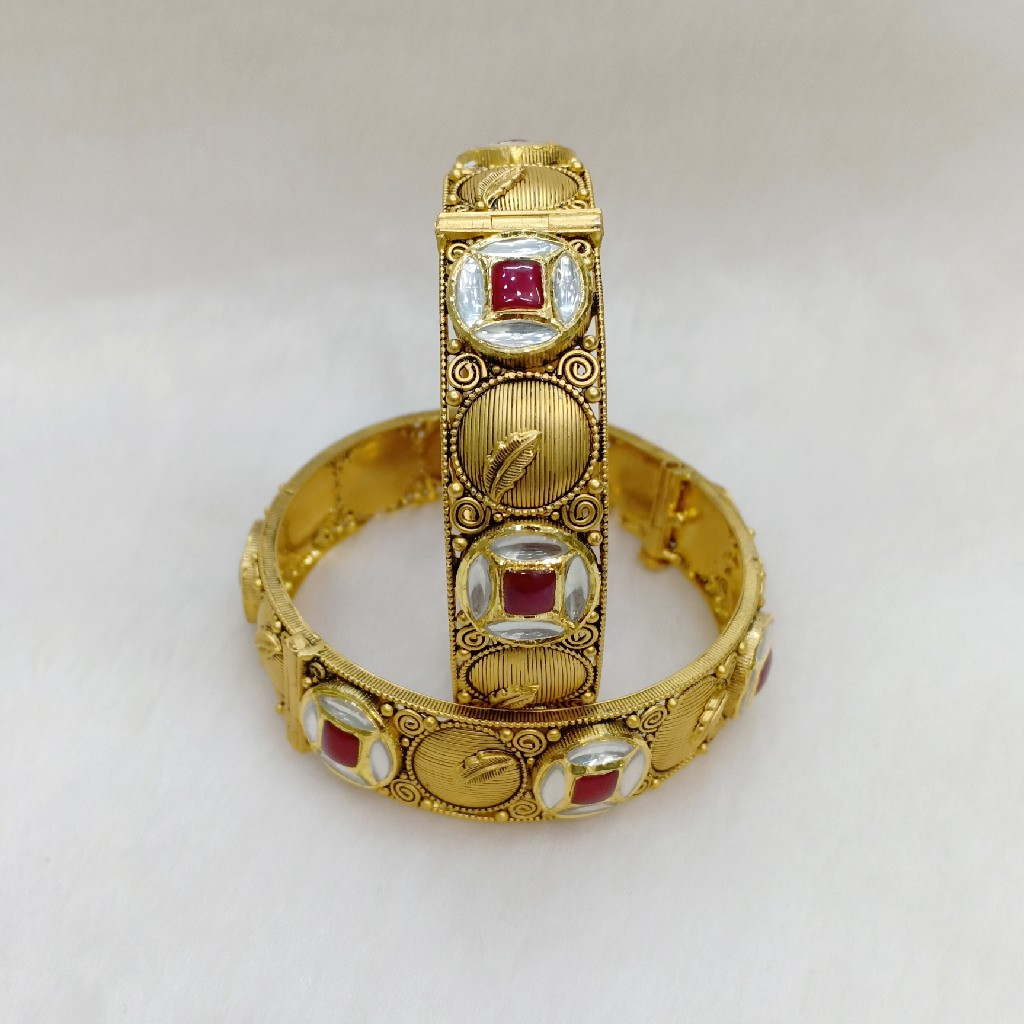 91.6 Gold Antique Bangles KA1343